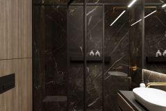 apartament-w-warszawie-styl-loftowy-i-art-deco-cegła-w-salonie-Artystyczny-Żoliborz-łazienka-2