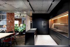 apartament-w-warszawie-styl-loftowy-i-art-deco-cegła-w-salonie-Artystyczny-Żoliborz-kuchnia